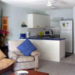Burleigh Palms Holiday Apartments - Lounge and Kitchen