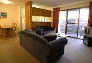 Coffs Harbour Holiday Apartments - Loungeroom