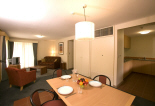 Emu Walk Apartments - Lounge and Dining Room