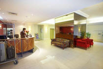 24 Hour Reception - Macleay Apartments