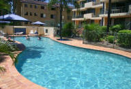Montana Palms Holiday Apartments - Heated Pool