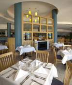 Oaks Waterfront Resort - Restaurant