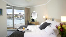 Bedroom - Quay Grand Suites