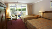 Standard Twin Room - York Leura Gardens Resort