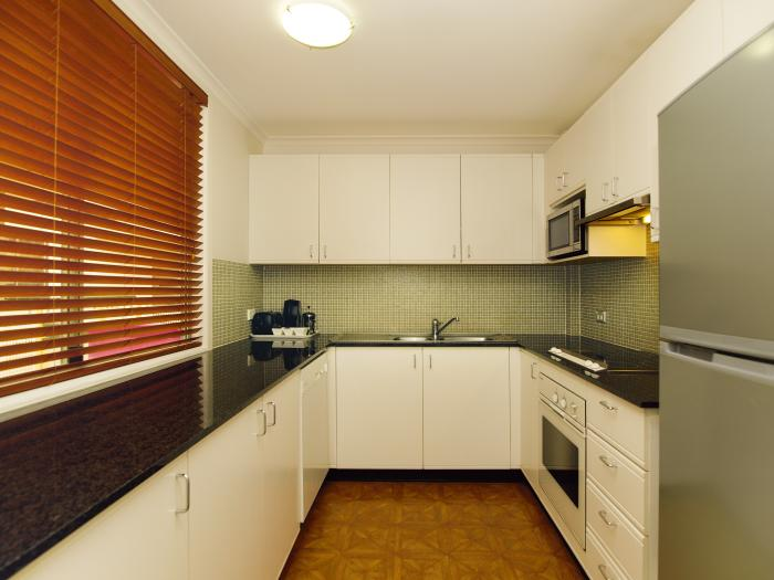 Oaks Goldsbrough Apartments Two Bedroom Kitchen